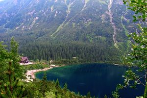 Morskie Oko w Tatrach Wysokich/ fot. Dixi/ CC BY-SA 3.0/ https://commons.wikimedia.org/wiki/Morskie_Oko#/media/File:08_VIII_2004-0015.jpg